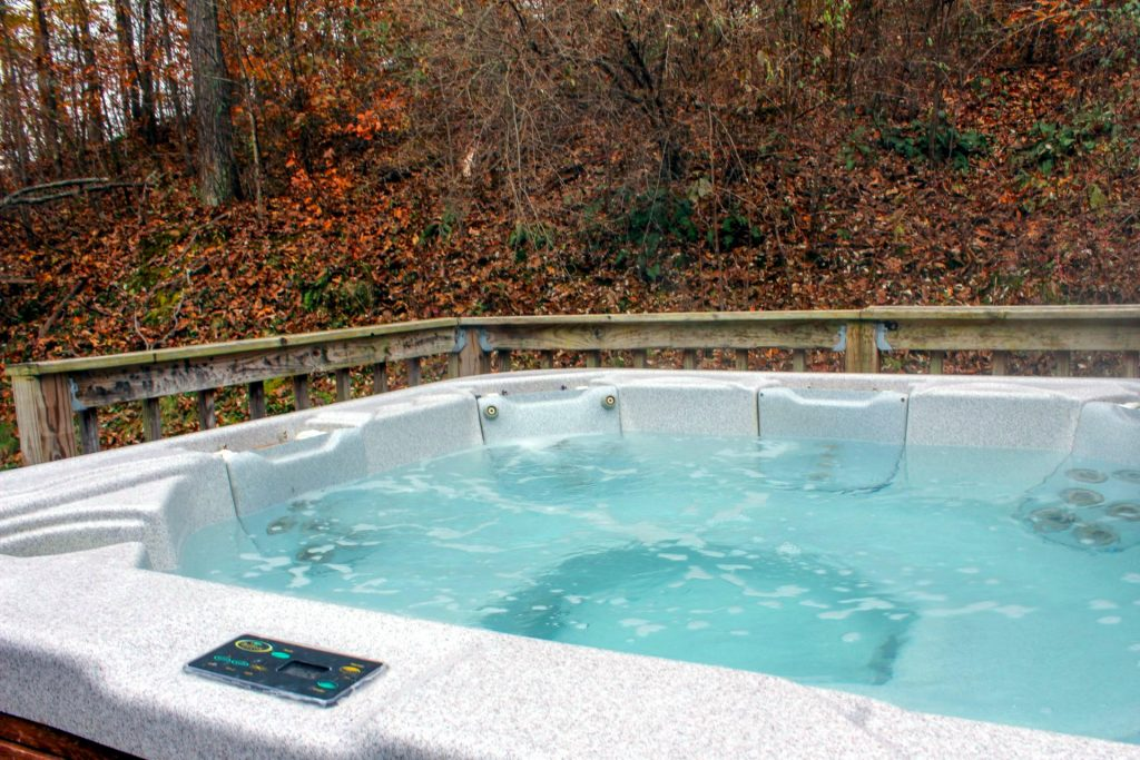 Bobcat Cabin Hot Tub
