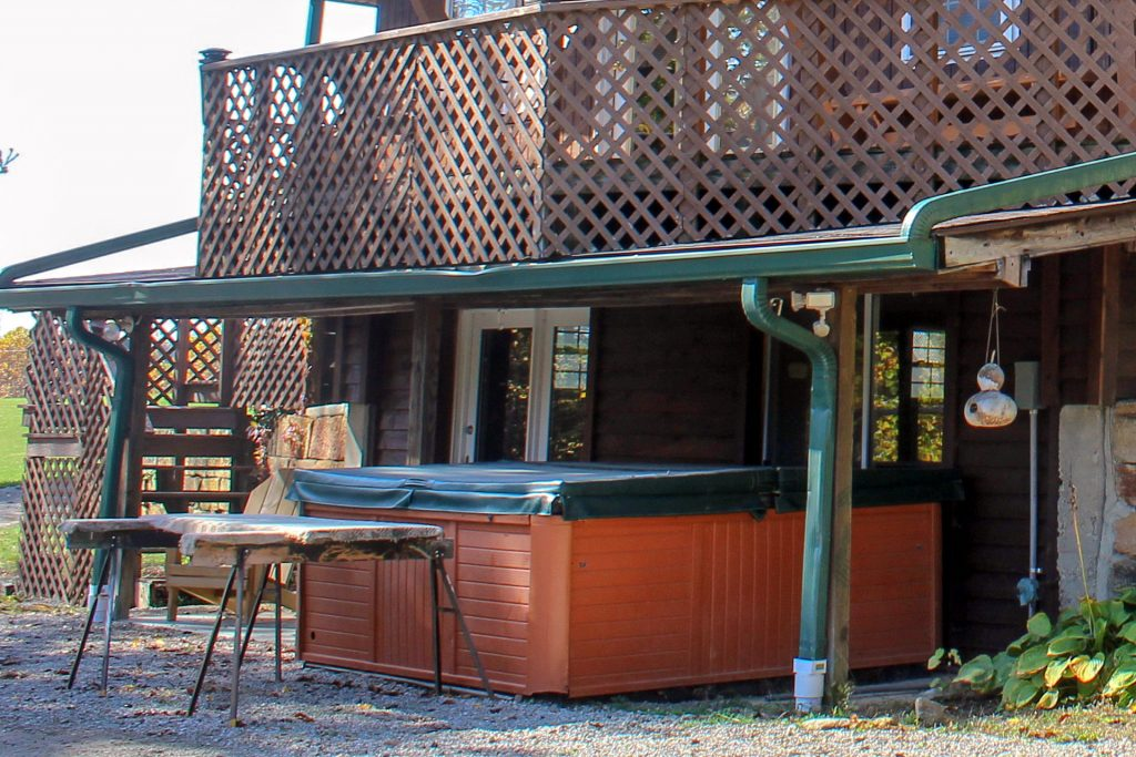 Chalet Lodge Hot Tub