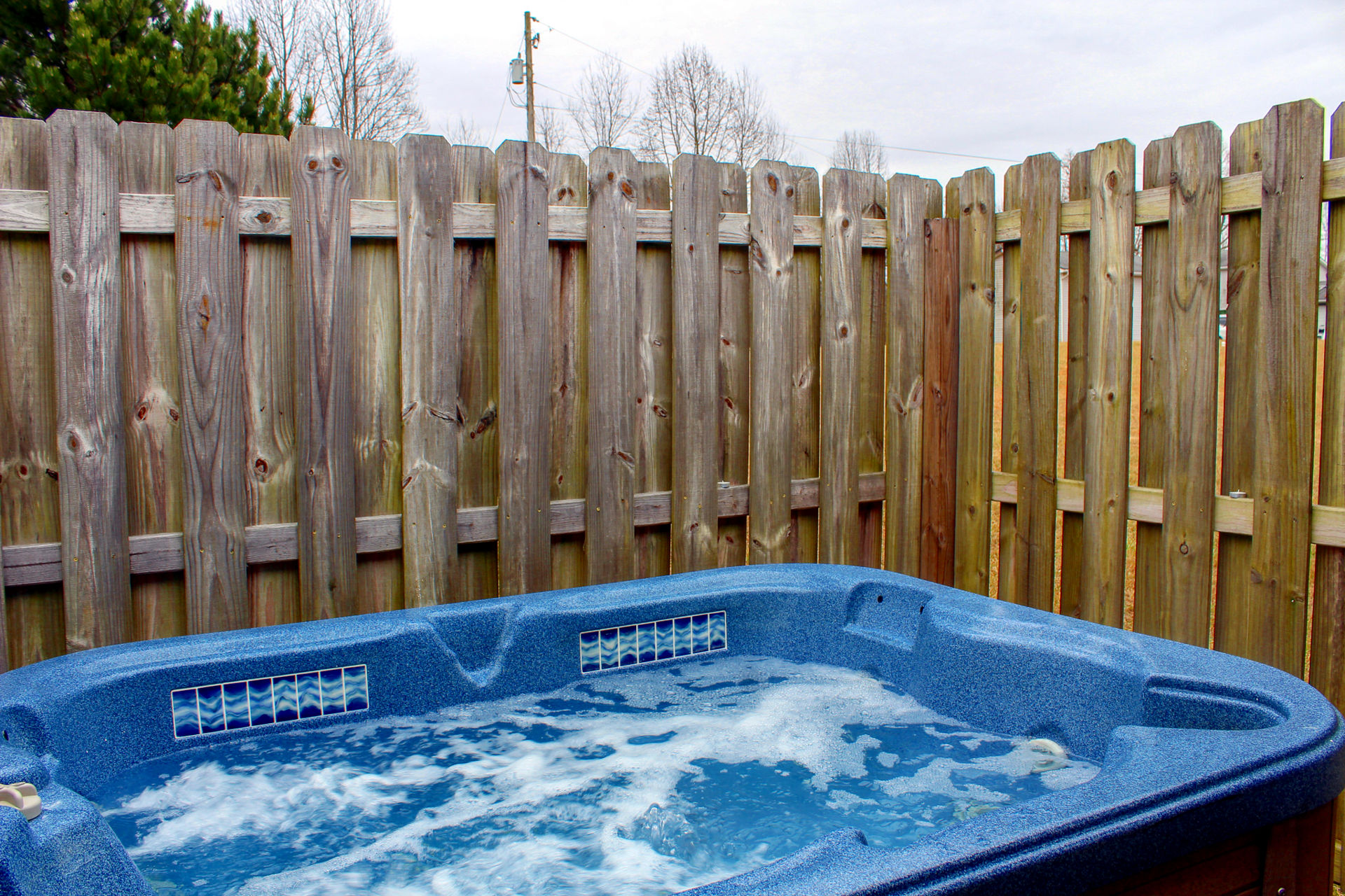 Cozy Cabin Hot Tub