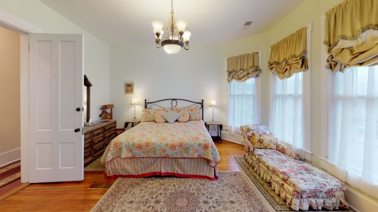 Dogwood Room 3_Hyde House