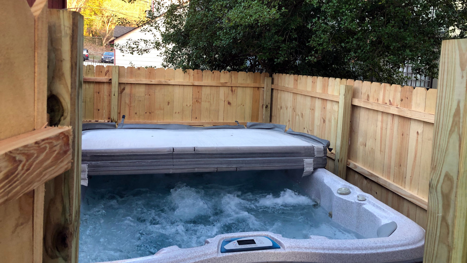 Hyde House Bed And Breakfast Hot Tub