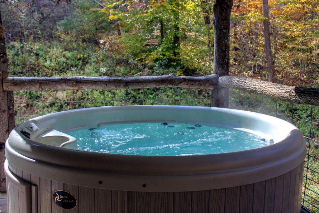 Montana Cabin Hot Tub