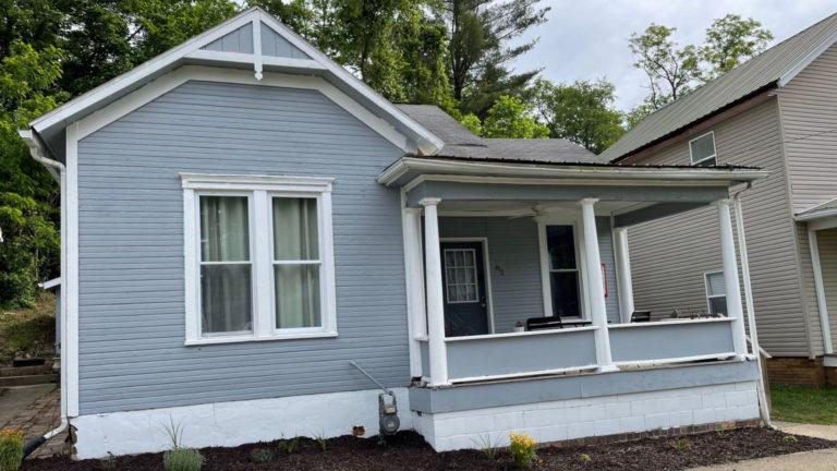 carnation cottage Hocking Hills Ohio